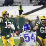 Lambeau crowd fans Aaron Rodgers' emotions in win over Rams