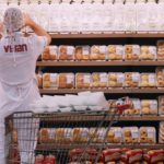 Review: The workers' minds are wide open in the Brazilian documentary 'My Darling Supermarket'