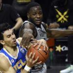UCLA's Pac-12 title hopes compromised in loss to Oregon